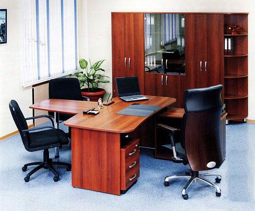 ухаживать за офисной мебелью